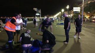 ТЕРАКТ В НИЦЦЕ!!! Франция-ТЕРАКТ в НИЦЦЕ 18+ СТРАШНОЕ ВИДЕО!!!(Жертвами теракта в Ницце стали уже 84 человека, десятки раненых находятся в критическом состоянии. Среди..., 2016-07-15T09:03:27.000Z)