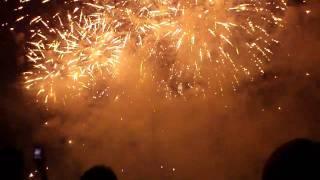 2011/8/27、大曲花火競技大会メイン、大会提供花火です。 真ん中より...