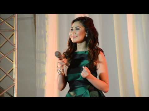 Sarah Geronimo sings 'A Very Special Love'