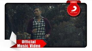 Download Rio Febrian - Memang Harus Pisah (Official Music Video)