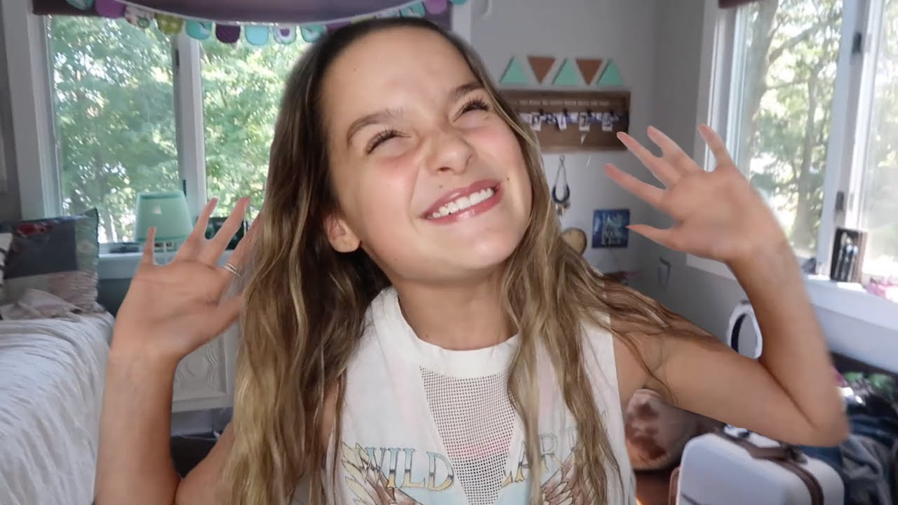 Cute Wallpaper Of Hayden Summerall Annie Leblanc My Complete 2017 Room Tour Youtube