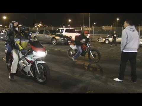 Yamaha FZR600 vs   Honda CRF150