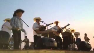 Dueto Los Armadillos en la Plaza Mexico (Toyota park)