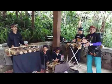 Mix Dance Tak Tun Tuang (Upiak Isil)_Sunda Version_by: daCung & aamaMang @ Dusun Bambu-Lembang