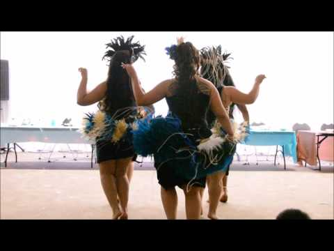 Tahitian dance by the bride and pacific bloom