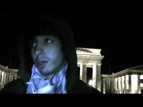 Refugee nach Hungerstreik am Brandenburger Tor Berlin    und Update  3. Nov 2012