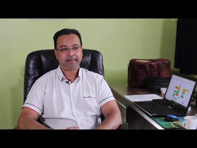 INTERVIEW MET MINISTER NURMOHAMED OVER ONREGELMATIGHEDEN OP HET MINISTERIE