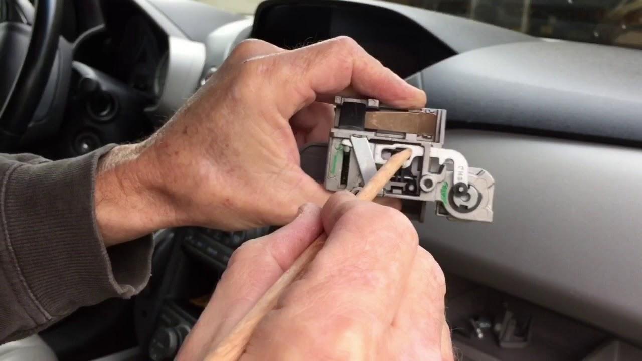 Honda Pilot Stuck Glove Box Fix Won T Open