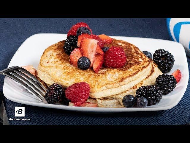 Birthday Cake Protein Pancakes [YouTube 動画] クリックで動画がスタンバイされ、もう1回クリックすると再生します