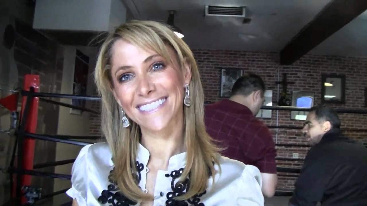 Ines Sainz Has Killer Moves Esnews Boxing Youtube