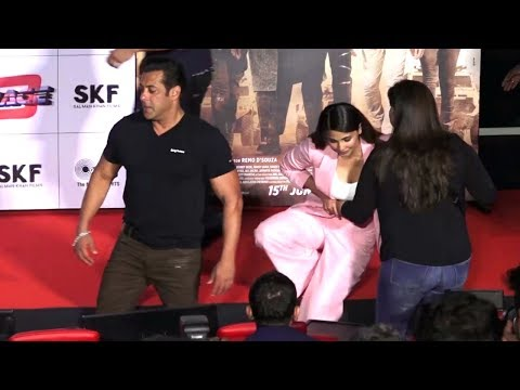 Salman Khan IGNORES Daisy Shah As She Falls Down From Stage At RACE 3 Trailer Launch