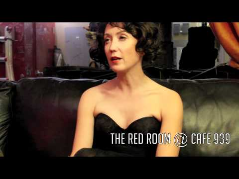 Artist Interview With Elizaveta- The Red Room @ Cafe 939. - YouTube