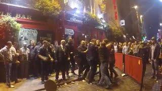 Halloween - Fight In the temple bar Street - Dublin - Danh nhau