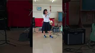 愛知県立岡崎北高校文化祭音楽部発表 二年生女子4人バンドBetween*の後...
