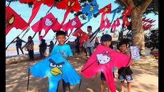 Beli Layang Layang & Main Layangan di Pantai! Mainan Anak Tradisional. Mainan Jaman Dulu Flying Kite