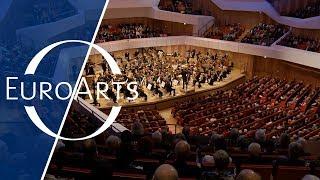 Dresdner Philharmonie: Michael Sanderling conducts Shostakovich