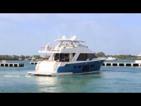 2012 76' Lazzara Breeze Yacht for Sale