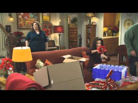 Mike & Molly - Christmas Break Extended Preview