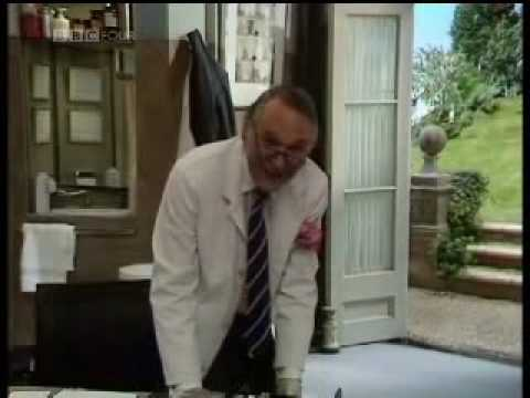 Prunella Scales - What The Butler Saw, Part 1