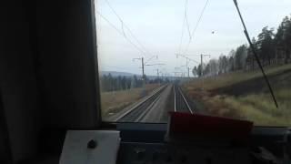Видео из кабины электровоза ВЛ 85 (едем в отпуск)(Как я работал помощником машиниста электровоза (мы водили поезда), 2016-03-08T18:28:36.000Z)