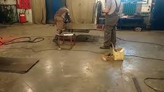 Використання плазмореза в налаштуванні металу. Виготовлення шаф для зарядки акумуляторних батарей