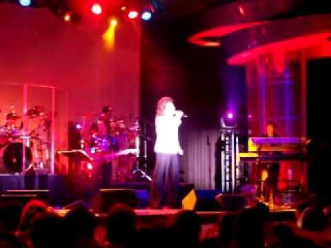 Tuấn Anh trình diễn tại Cache Creek Casino
