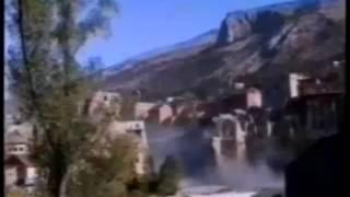 vuclip Agresija Hrvatske na BiH - Rušenje Starog mosta u Mostaru 09.11.1993.
