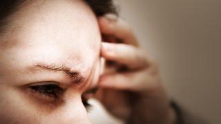 Болит над глазом, причины и способы лечения