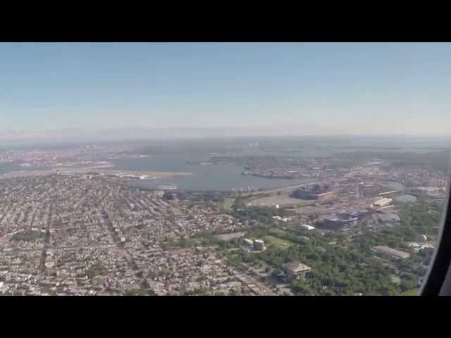 Delta MD-90 Views of State of Liberty, New York Skyline, Landing at LaGuardia Airport