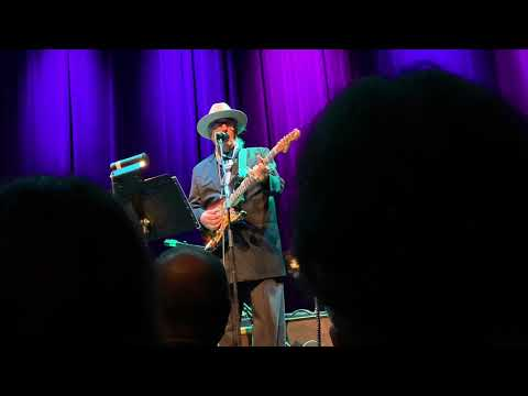Ry Cooder - Don't Take Your Guns To Town 6/18/19