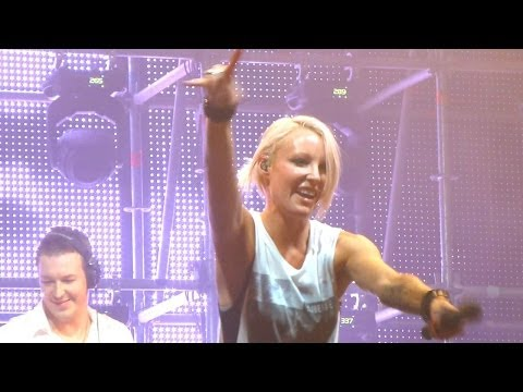 Emma Hewitt live @ Trancemission SPb 01.11.2013 (4) (sorry for AutoFocus)