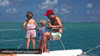 Catamaran Cruise to Ile aux Cerfs - Croisière en catamaran sur l'ile aux Cerfs