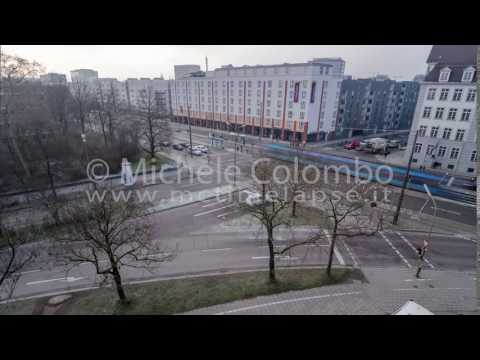 0047 - time lapse - traffic at intersection in Munich - 4K