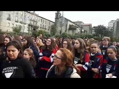 Los escolares de Pontevedra se unen para condenar la violencia machista
