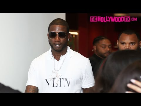 Gucci Mane Buys Out The Gucci Store On Rodeo Drive In Beverly Hills & Takes Selfies With Fans