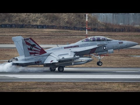 AWESOME DISPLAY of U.S. AIR POWER! Fighter Squadrons of F/A-18E/F SUPER HORNETS arrive at Iwakuni!