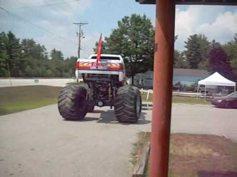 Bigfoot Monster Truck Visits Pete S Tire Barns Amherst Nh Youtube