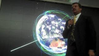 SciCafe - America Inching Towards the Metric System - Neil deGrasse Tyson