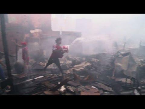 Destructive fire rages through Sao Paulo favela