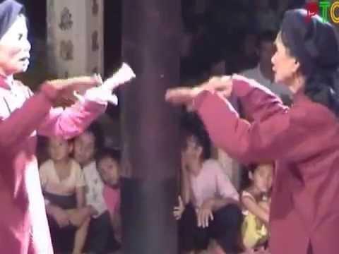 Trình diễn hát xoan tại đình Hùng Lô - Phú Thọ
