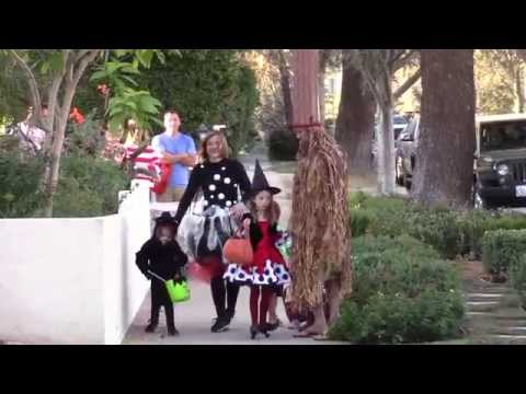 Alyson Hannigan, husband Alexis Denisof and daughters dressup witchy for Halloween 2015