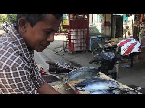 penjual-ikan-di-gampong-lambhuk-banda-aceh,-usaha-yang-tak-ada-matinya