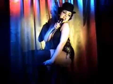 Liza Minnelli Impersonator (female, live vocals)