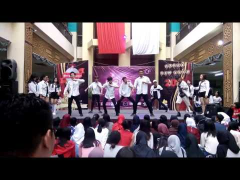 Ynot (Yteen Dance Cover)  Intro + Do better @ Bandung Trade Mall