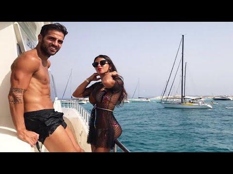 Cesc Fábregas y Daniella Semaan disfutan de su amor en la playa