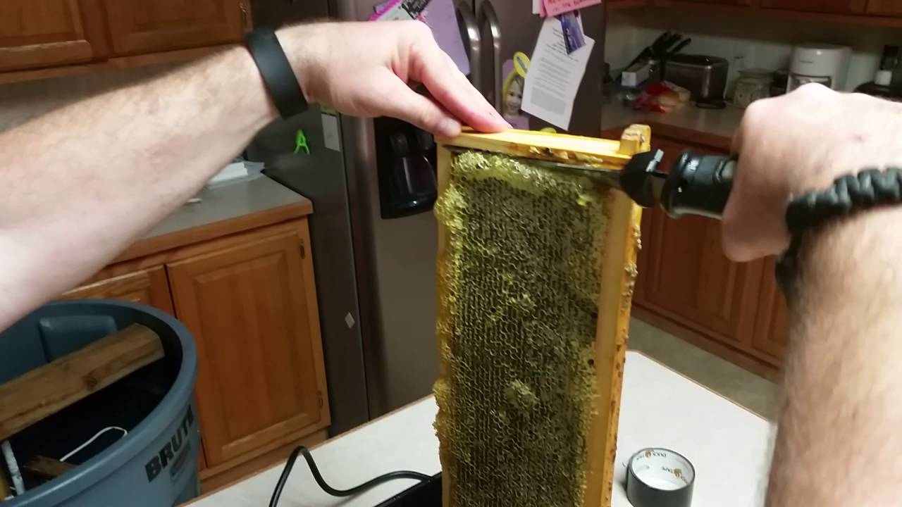 Bee Keeping Double Uncapping Tank