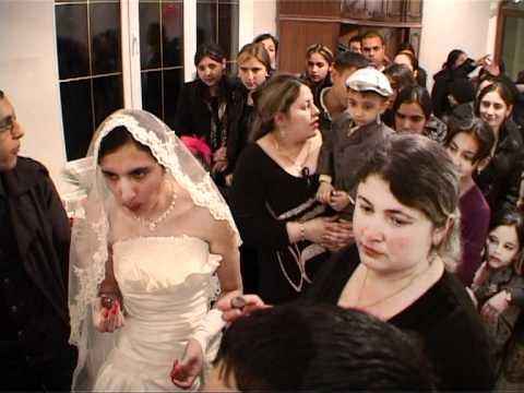 Цыганская девственница ломают фото 240-226