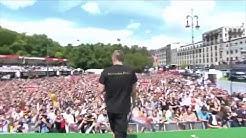 Toni Kroos singt für Miro Klose - Fanmeile 2014