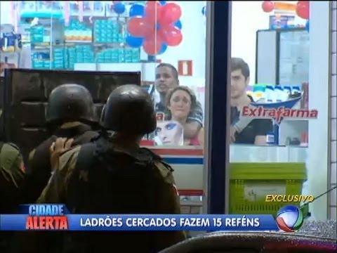 Ladrões invadem farmácia e fazem 15 reféns em Belém (PA)