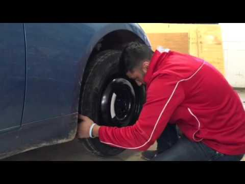 Change tire on a 2003 G35 Coupe